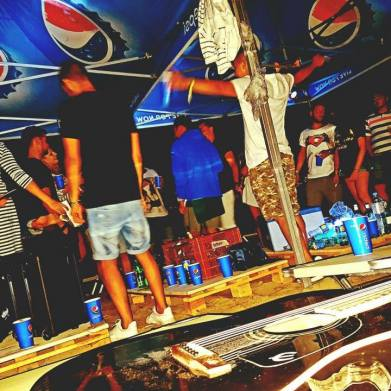 tent party